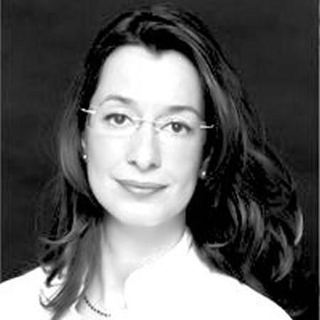 Dra. Mónica Ruiz